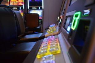 Merkur Spielautomaten im Casino.