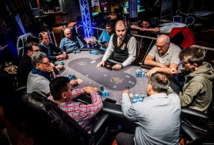 Pokerrunde im Card Casino