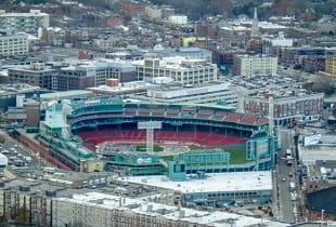 Luftaufnahme des Stadions Fenway Park in Boston.