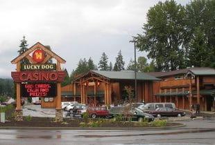 Ein Indianer-Casino in der Außenansicht.