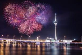 Feuerwerk über Macau.