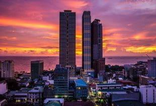 Die philippinische Hauptstadt Manila bei Sonnendämmerung.