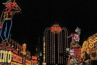 Panorama von Casinos in Las Vegas am Tag.