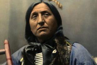 Ein Porträt eines berühmten Indianers vom Stamm der Sioux.