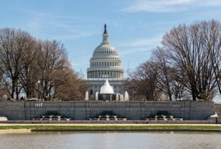 Das Kapitol in Washington, D.C aus der Frontalansicht.