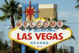 Das weltbekannte Ortsschild von Las Vegas.