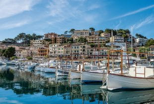 Der Hafen von Soller auf Mallorca.