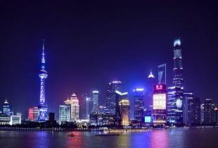 Shanghai bei Nacht.
